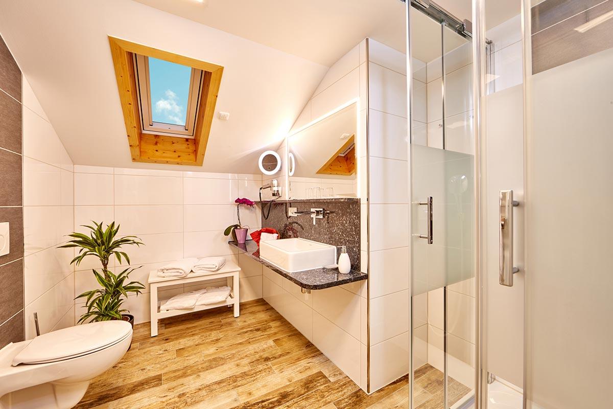 doppelzimmer-superior-4-personen-badezimmer - Hotel ...