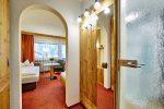 komfort-einzelzimmer-balkon-eingang