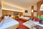 komfort-zweibettzimmer-betten